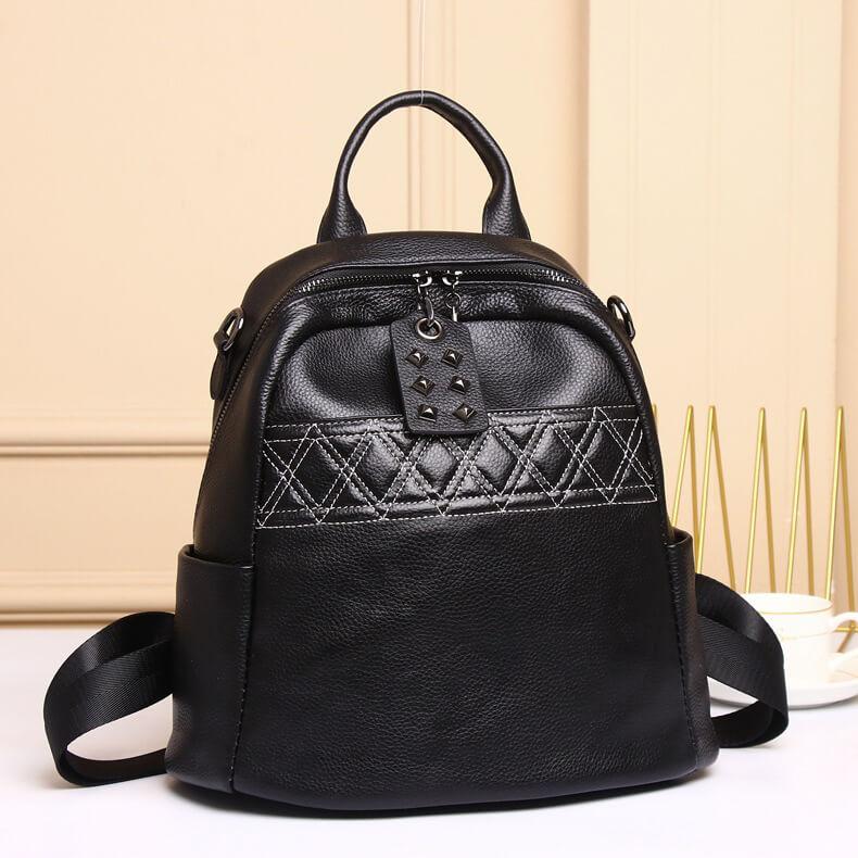 rucksack und schultertasche in einem