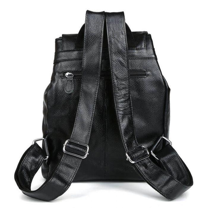 schwarzer Rucksack aus Leder für Reisen