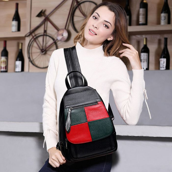 moderner Rucksack aus Leder schwarz für Schule und Alltag